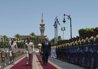 Sisi as Defence Secretary (left) with US Secretary of Defence Chuck Hagel (right) in Cairo in April 2013. [Source: Wikimedia]